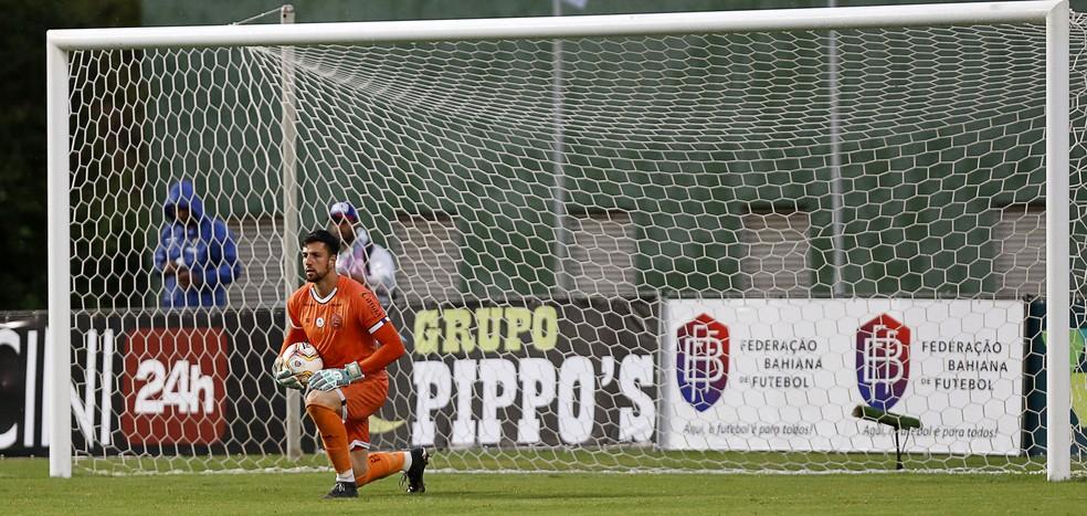 Goleiro  Mateus Claus renovou o contrato com o Bahia até o final do ano — Foto: Felipe Oliveira / EC Bahia / Divulgação