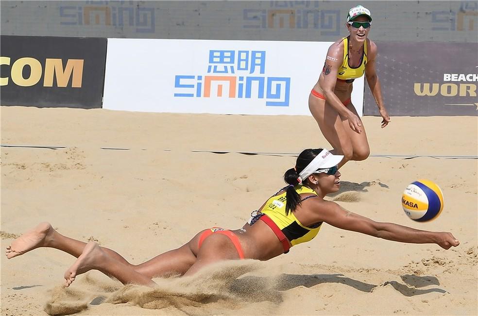Ágatha e Duda em Xiamen, na China — Foto: Divulgação / FIVB