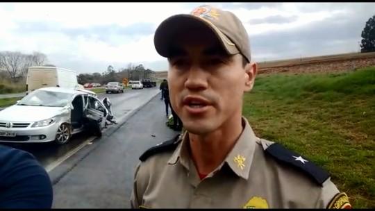 Quatro pessoas ficam feridas em acidente entre dois carros na BR-467, em Toledo
