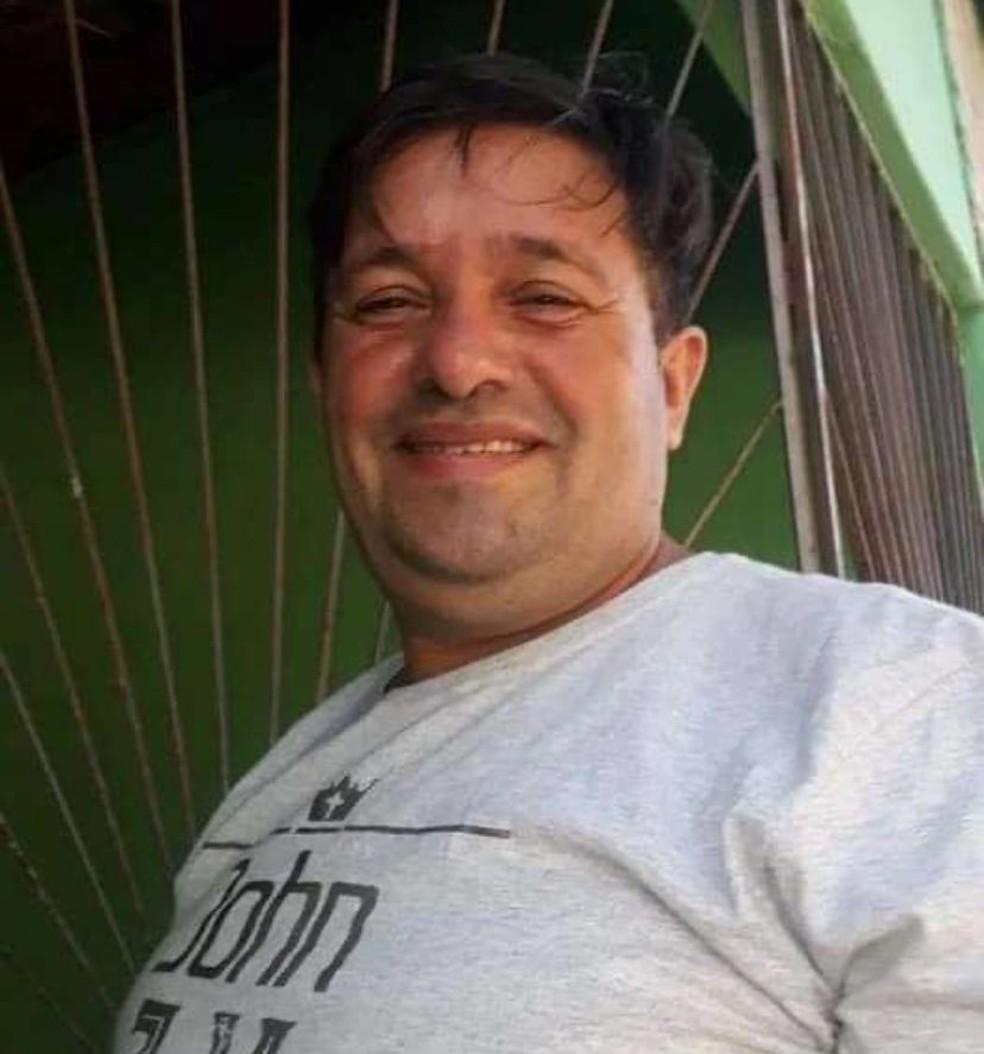 Clezio Saraiva, de 44 anos, morreu após ter parte do corpo queimado enquanto dormia em Mossoró — Foto: Redes sociais