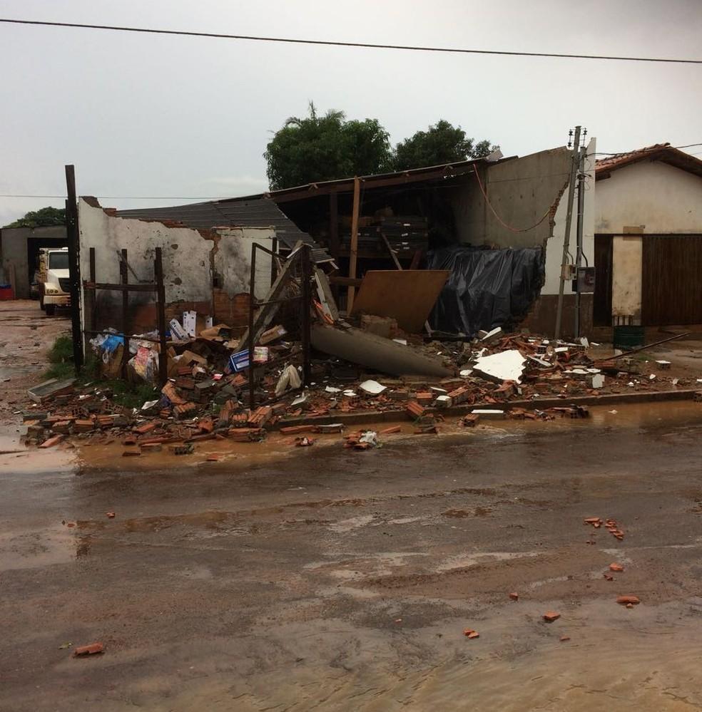 Tempestade causou destruição em Itacajá (Foto: Maria de Lourdes de Castro Carneiro Rocha/Divulgação)