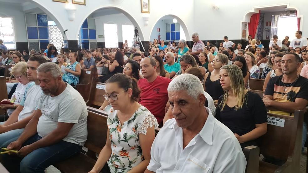 Igreja Matriz de Brumadinho fica lotada em missa de sétimo dia — Foto: Raquel Freitas/G1