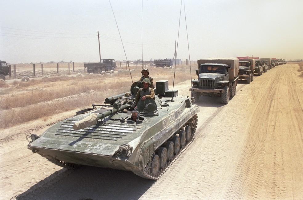 Tropa soviética durante a Guerra do Afeganistão, em foto de 1988 — Foto: Andrew/Sputnik via AFP/Arquivo