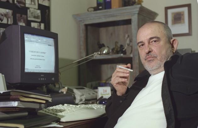 """Quem também fez a sua estreia em """"Top model"""" foi o autor da novela, Antonio Calmon, que depois escreveria sucessos como """"Vamp"""" (1991) e """"O beijo do vampiro"""" (2002) (Foto: Carlos Ivan/O Globo)"""