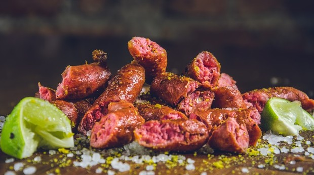 Porção de linguiça da Porks - Porco e Chope, restaurante com unidades em Minas Gerais e Paraná (Foto: Divulgação)