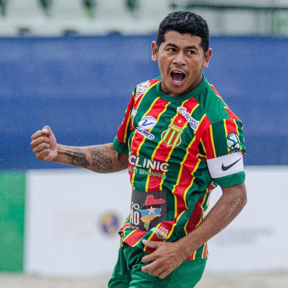 Datinha comemora o seu gol no segundo tempo — Foto: Divulgação / Sampaio
