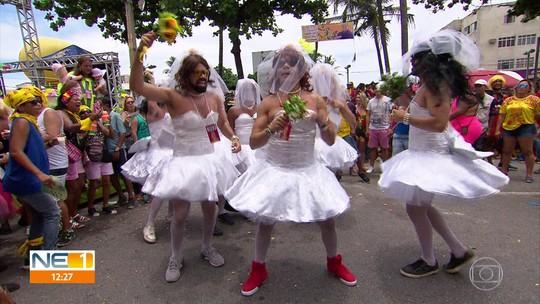 Virgens do Bairro Novo levam críticas, humor e muita criatividade às ruas de Olinda