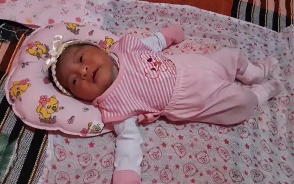 Recém-nascida precisa de transferência para fazer cirurgia no coração — Foto: Reprodução/TV Santa Cruz