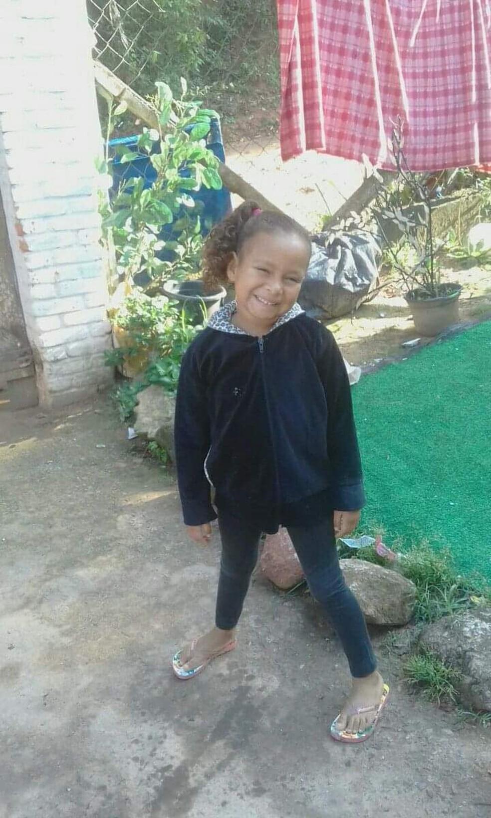 Kauani Cristhiny, de 6 anos, estava desaparecida desde a madrugada de quarta-feira (17) — Foto: Arquivo Pessoal/Diana Soares