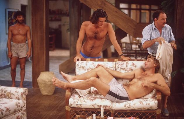 A minissérie foi reapresentada entre abril e maio de 1991, no Vale a Pena Ver de Novo. Por conta do horário de exibição, as cenas de nudez foram cortadas (Foto: IRINEU BARRETO FILHO)