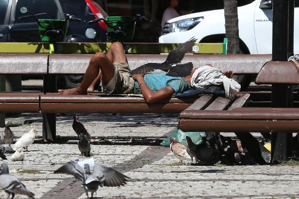 Ministério Público vai apurar denúncias de excessos policiais em abordagens a pessoas em situação de rua nas praças de Fortaleza. — Foto: Natinho Rodrigues/Sistema Verdes Mares