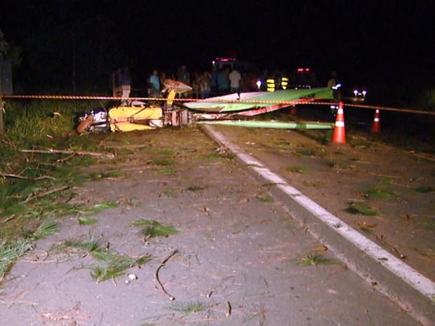 Ultraleve cai e mata empresário em rodovia que liga Socorro a Lindóia (Foto: Reprodução EPTV)
