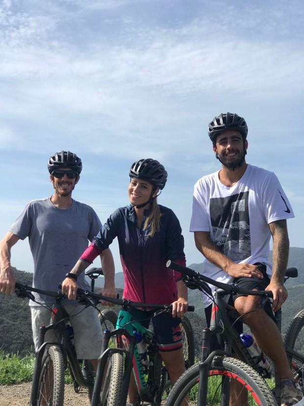 O trio formado por Felipe Gustavo, Letícia Bufoni e Pedro Scooby (Foto: Divulgação)