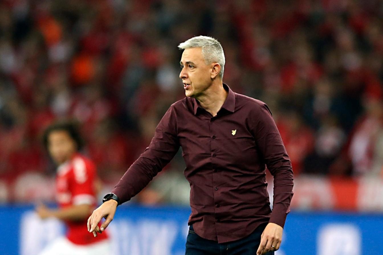Três jogadores devem chegar com Tiago Nunes ao Corinthians em 2020