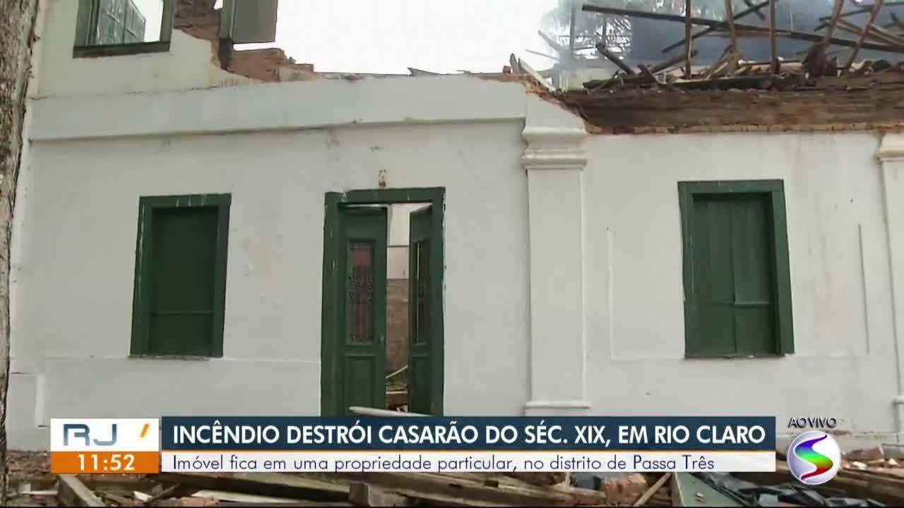 Após incêndio, estrutura de casarão histórico em Rio Claro corre risco de desabar