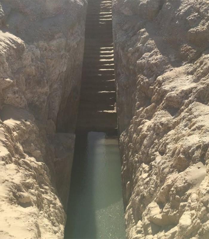 Escadas da pirâmide vão direto para a água (Foto: Nuri Archaeological Expedition/Pearce Paul Creasman)