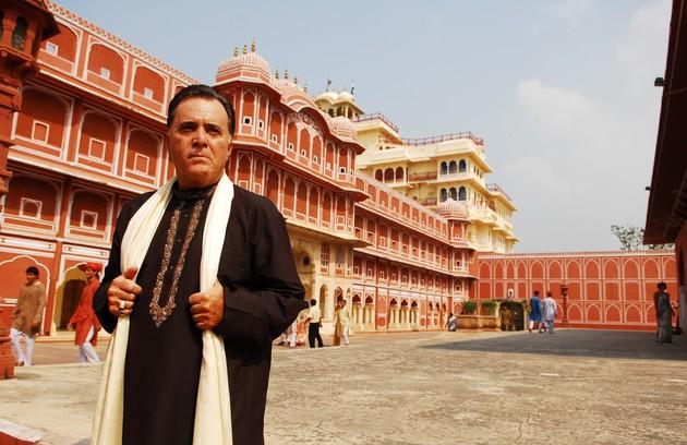 """Tony Ramos interpretava Opash, um importante comerciante que exigia muito dos filhos: """"Estão parados aí como duas colunas do templo"""" (Foto: TV Globo)"""