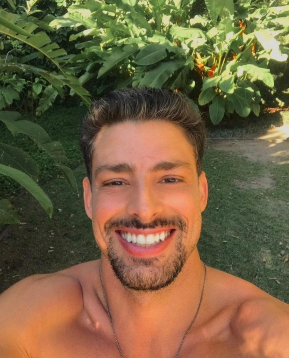 Selfie: Cauã Reymond é surfista e ator — Foto: Reprodução do Instagram