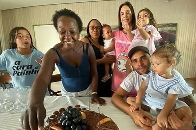 Ivete Sangalo, Daniel Cady e a família (Foto: Reprodução)