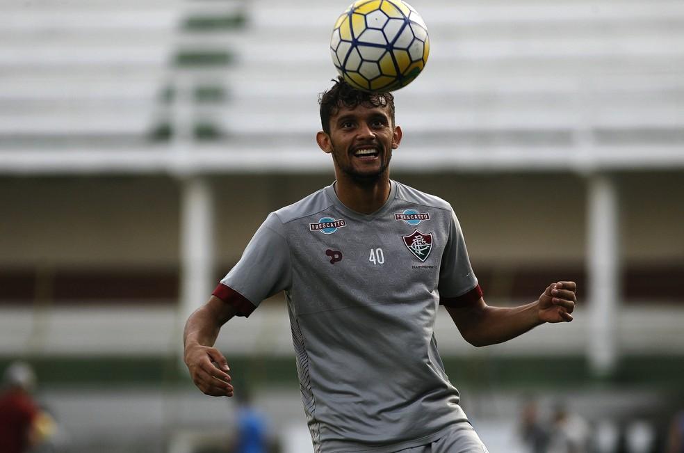 Scarpa travou 10 meses de batalha judicial com o Fluminense — Foto: Nelson Perez / Fluminense FC