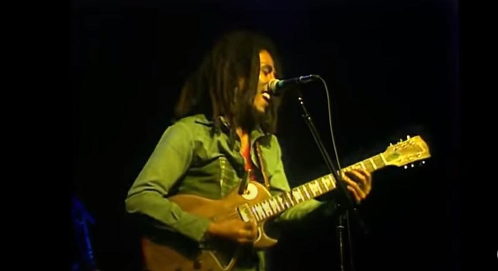Bob Marley canta em show de 1977 — Foto: Reprodução/YouTube