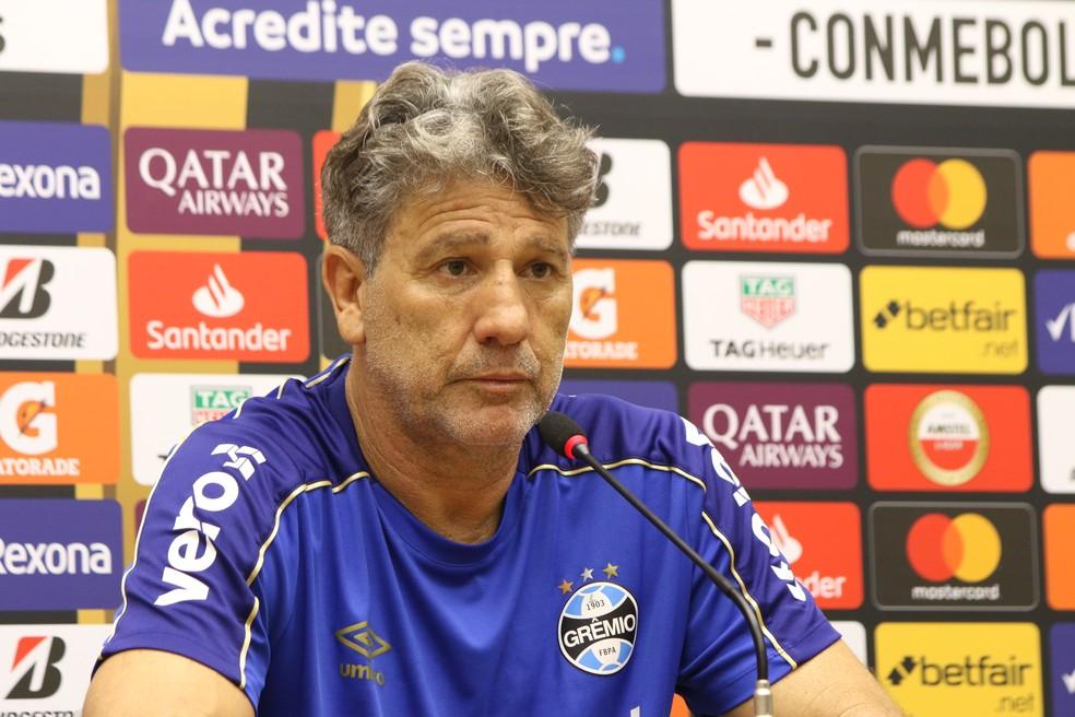 Técnico do Grêmio concedeu entrevista no CT do Fluminense — Foto: Eduardo Moura