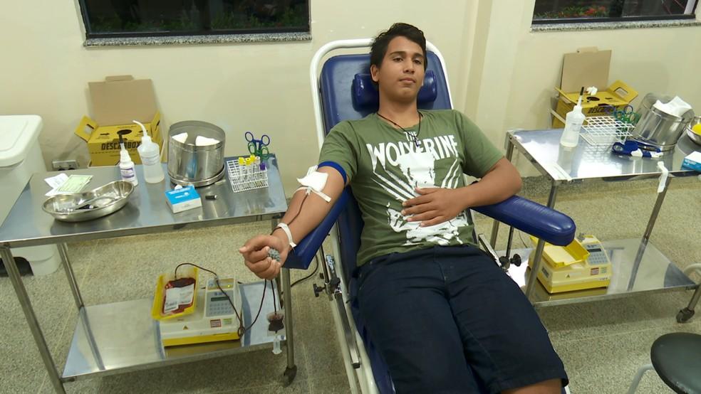 Eufrásio Souza doou sangue pela primeira vez  — Foto: Reprodução/ Rede Amazônica