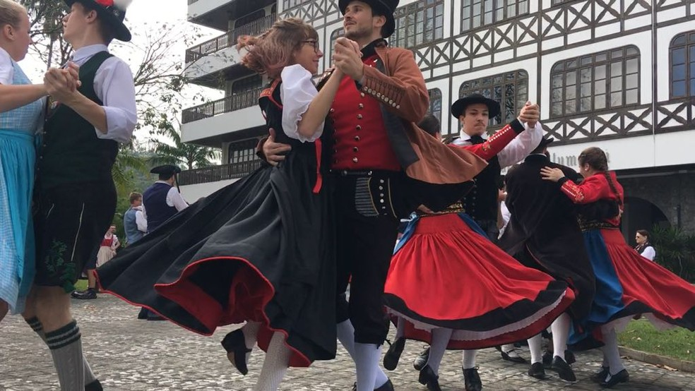 Evento de dança em Blumenau reuniu grupos em Santa Catarina. (Foto: Eduardo Cristófoli/NSC TV)