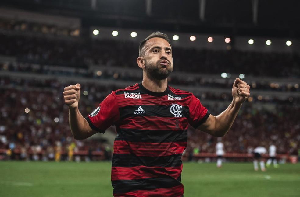 Éverton Ribeiro foi um dos destaques do Flamengo contra a LDU — Foto: Pedro Martins / Foto FC