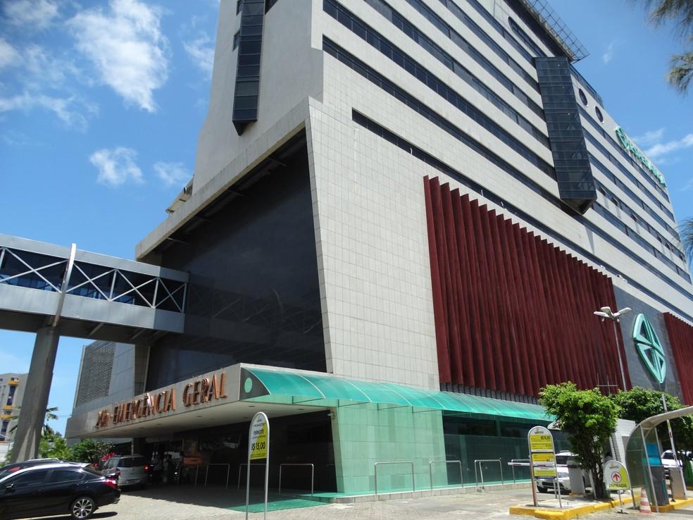 Alexandre Farias está internado no Hospital Esperança, no Recife, desde o dia 28 de setembro (Foto: Joalline Nascimento/G1)