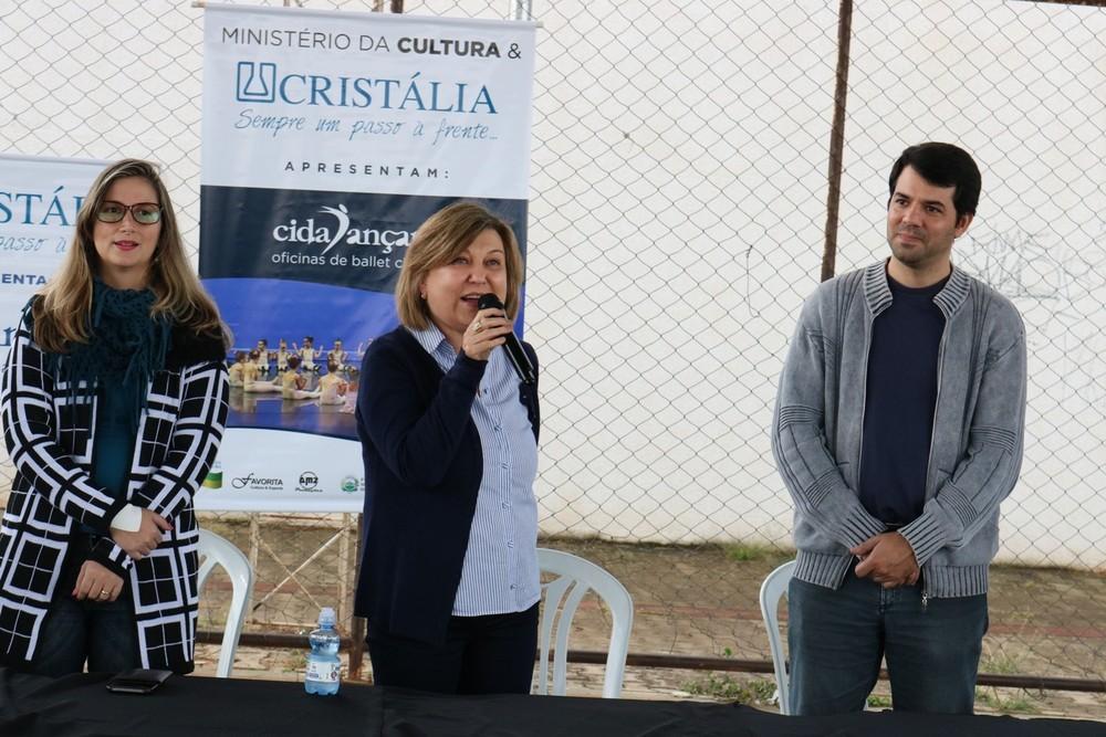 Kátia durante evento do Laboratório Cristália em Itapira  (Foto: Dilvugação/Cristália)