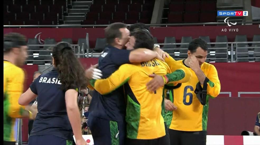 Festa no ouro do Brasil no goalball — Foto: Reprodução
