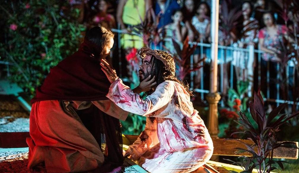 Paixão de Cristo é encenada em diversas cidades de Pernambuco, como é o caso de Bom Jardim (Foto: Akires Sabino/Divulgação)