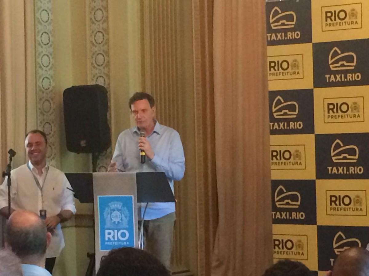 Crivella calcula que aplicativos de transporte pagarão 2% sobre faturamento  ao Rio  0679e6f373ddc