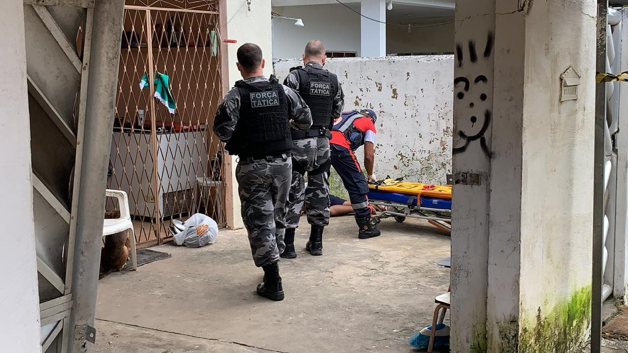 Homem morre após ser baleado dentro de casa em Bayeux, na Paraíba