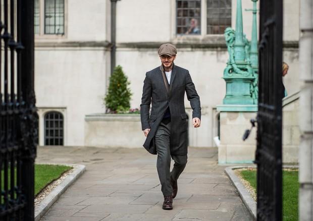David Beckham chegou ao evento com caminhada no melhor estilo Thomas Shelby (Foto: Getty Images)