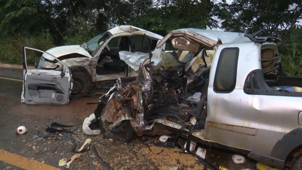 Acidente aconteceu no Km da BR-364 — Foto: Ricardo Araújo/Rede Amazônica