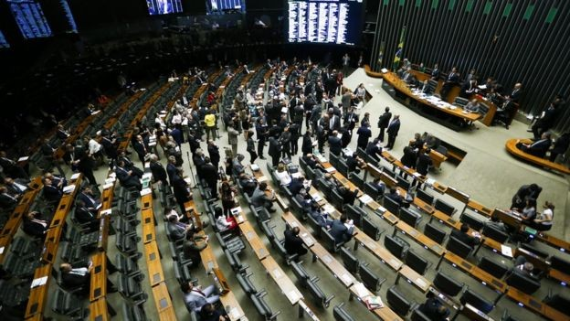 Mudar o Imposto de Renda envolve alterar leis ordinárias e talvez a Constituição (Foto: Marcelo Camargo/Agência Brasil via BBC News Brasil)