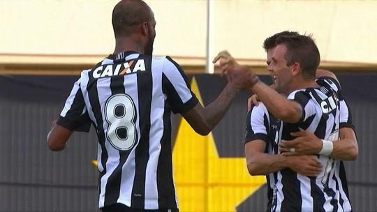 Passes e mais expectativa que realidade: Valencia se iguala a Montillo no Botafogo