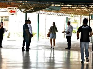Candidatos correm para não perder prova em Campo Grande (Foto: Tatiane Queiroz/ G1MS)