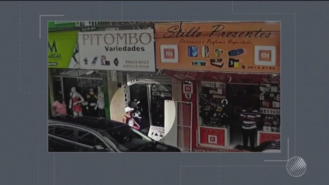 Bandidos roubam loja e fazem funcionários de reféns no centro de Itabuna, sul da Bahia