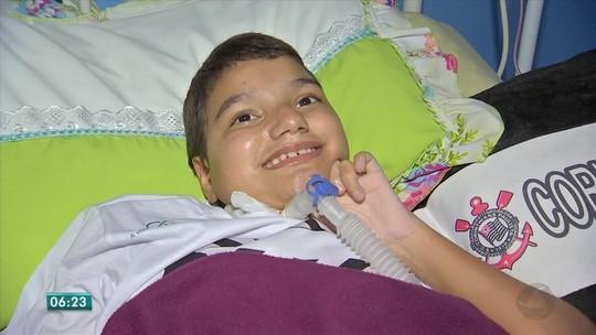 Menino de 12 anos com doença degenerativa realiza o sonho de ir ao cinema pela 1ª vez