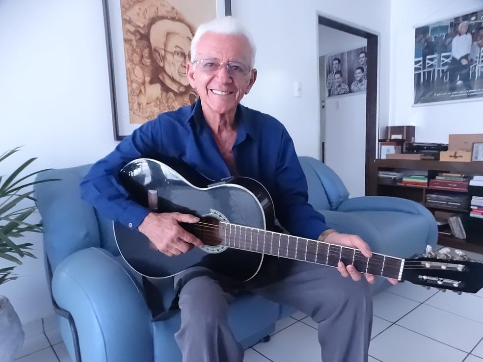 Onildo Almeida é um dos homenageados da 3ª edição da Fenagreste (Foto: Joalline Nascimento/G1)
