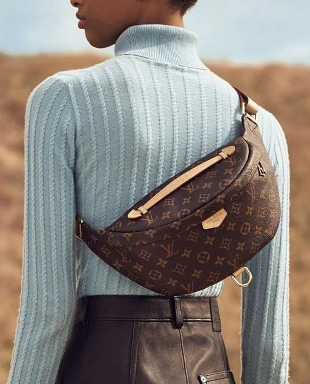 A nova pochete da Louis Vuitton pode ser comprada no Brasil por R$6.150,00 (Foto: Reprodução Instagram @louisvuitton)