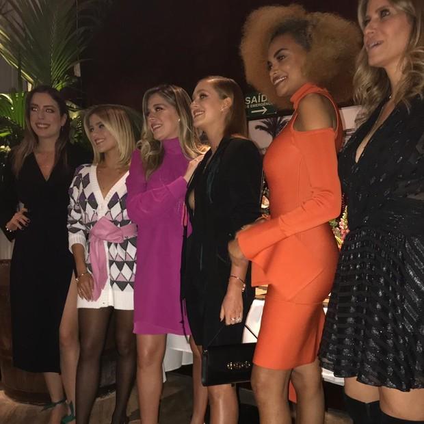 Marina Ruy Barbosa e convidadas para o lançamento da coleção Choice (Foto: Vogue)