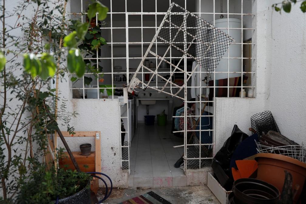 Agentes da inteligência do regime Maduro reviraram casa de Leopoldo López, segundo a mulher do político — Foto: Carlos Garcia Rawlins/Reuters