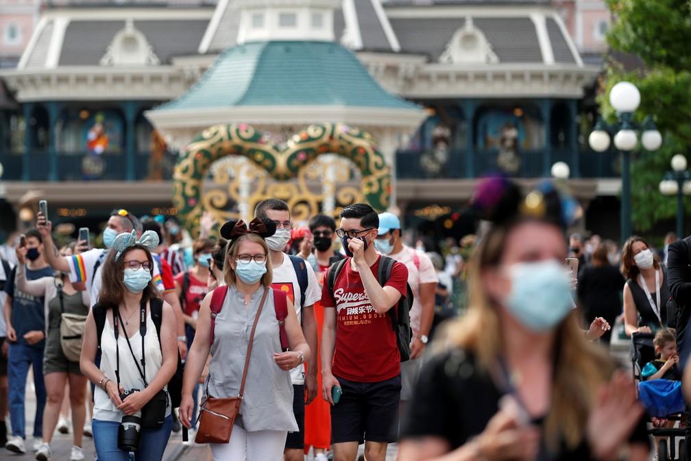 1º dia da reabertura da Disney de Paris após 8 meses fechada pela pandemia em 17 de junho de 2021 — Foto: Gonzalo Fuentes/Reuters