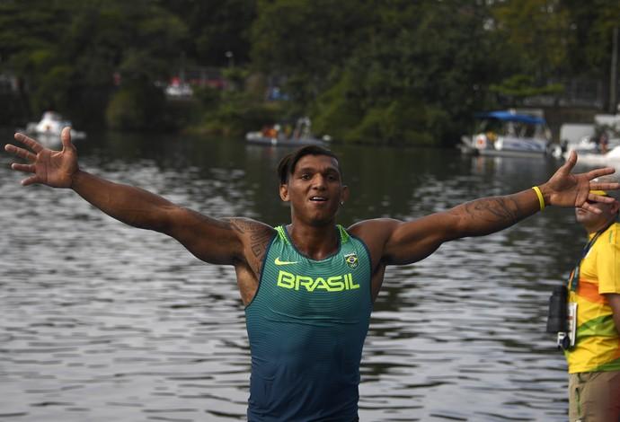 Isaquias Queiroz canoagem (Foto: AFP)