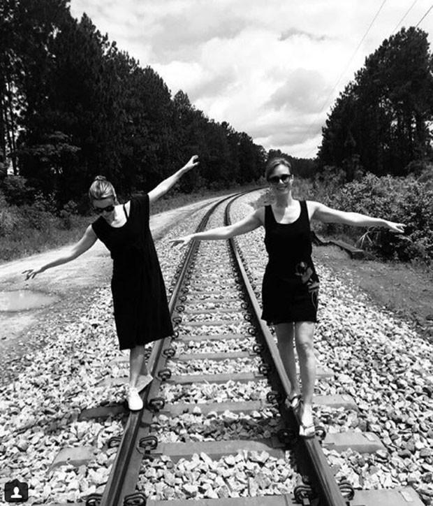 Débora Falabella e Mariana Ximenes (Foto: Reprodução Instagram)