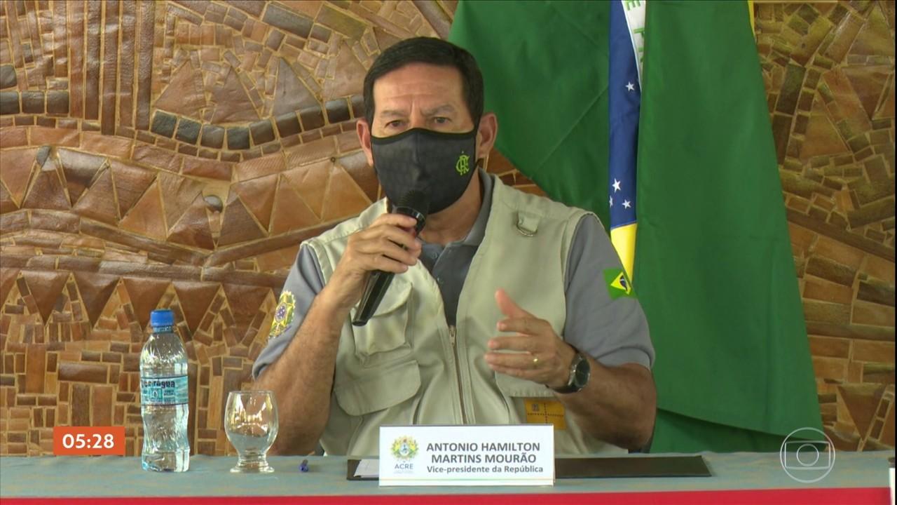 Mourão visita o Acre para conhecer o sistema de controle de queimadas do estado